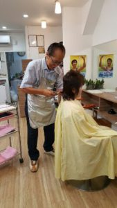 1面「美容師としての第二の人生」28年8月号写真1